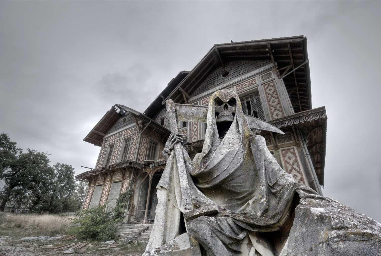 haunted-house-creepy-scary